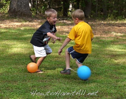 4 inexpensive birthday party games how to have it all for Balloon party games
